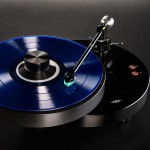 The AMG Giro Turntable and 9W2 Tonearm - Simply Amazing !